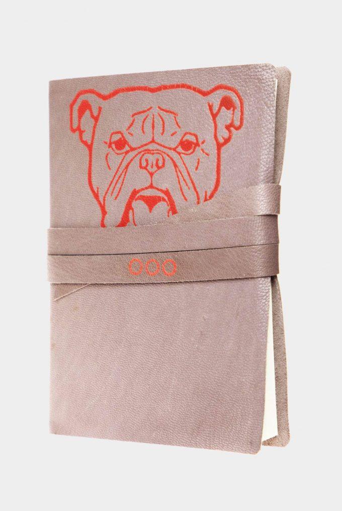 Taccuino in pelle tortora Bulldog con fregio rosso